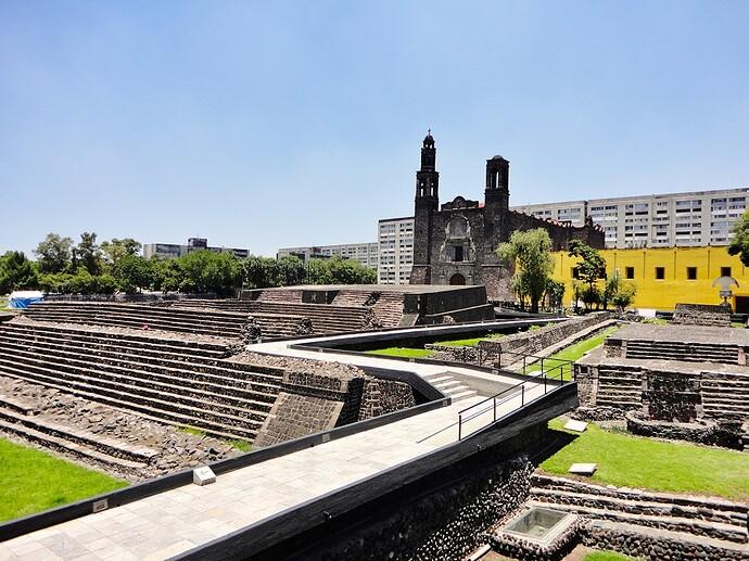 Tlatelolco (2)