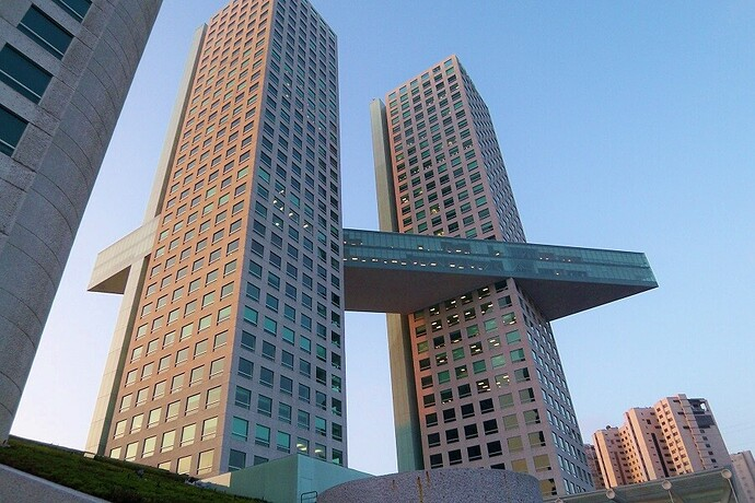 Torre_Arcos_Bosques