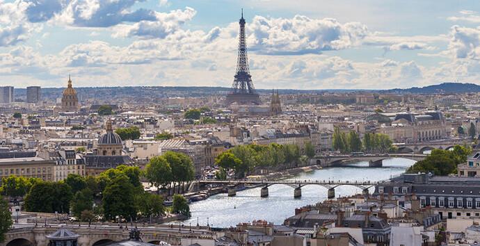 Vue-sur-les-toits-de-la-tour-Saint-Jacques--740x380--©-Elodie-Gutbrod-Créatividie